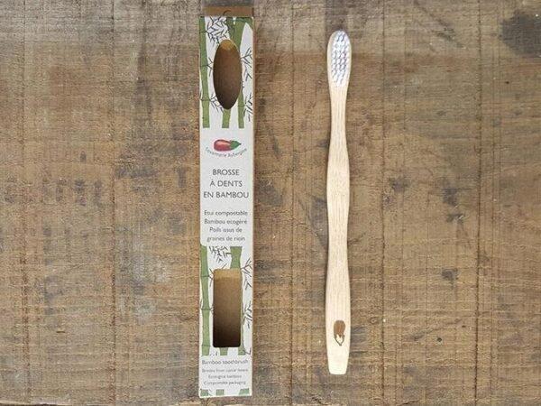 wakey-savonnerie-aubergine-brosseadents-bambou-2